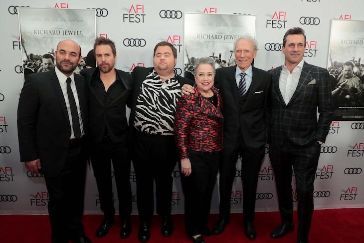 「リチャード・ジュエル」ワールドプレミアの様子。左からイアン・ゴメス、サム・ロックウェル、ポール・ウォルター・ハウザー、キャシー・ベイツ、クリント・イーストウッド、ジョン・ハム。