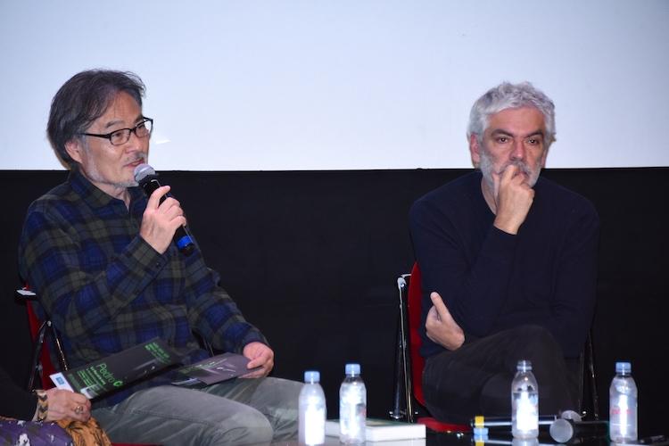左から黒沢清、ペドロ・コスタ。