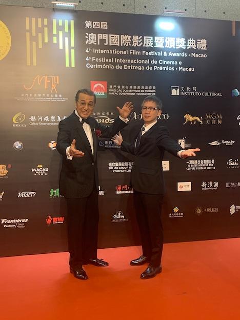 第4回マカオ国際映画祭に出席した宝田明(左)と矢口史靖(右)。