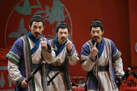 「ナイト・オブ・シャドー 魔法拳」より、日本語吹替版で鈴木拡樹が声を当てるチン三兄弟。
