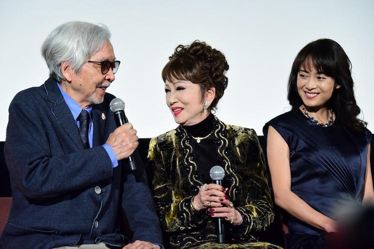 左から山田洋次、浅丘ルリ子、後藤久美子。