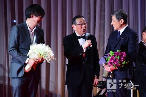 山崎貴(左)と舘ひろし(右)。