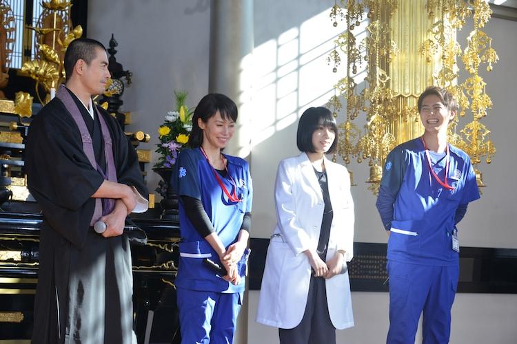 左から伊藤英明、中谷美紀、松本穂香、片寄涼太。