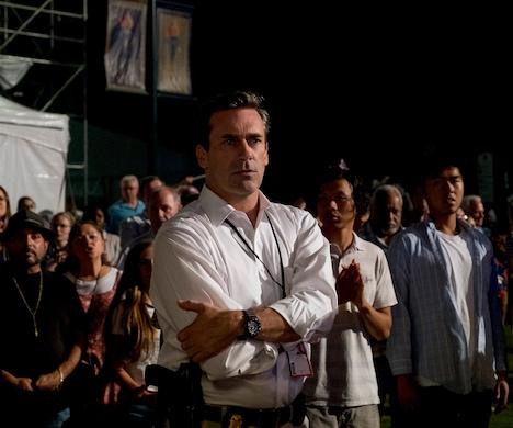 ジョン・ハム演じるFBI捜査官サム・ショウ。