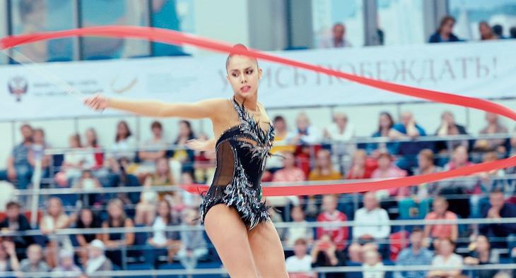 「オーバー・ザ・リミット 新体操の女王マムーンの軌跡」