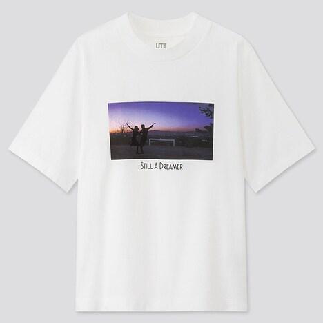 「ラ・ラ・ランド」のグラフィックTシャツ。TM & (c) 2020 Summit Entertainment, LLC.All Rights Reserved.