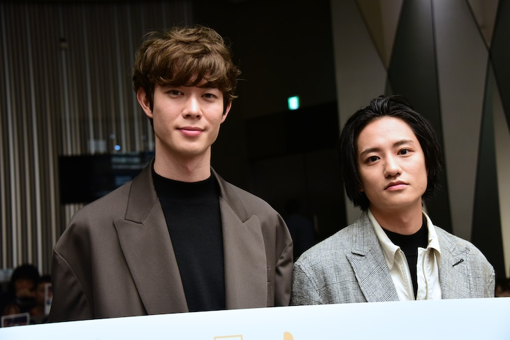「his」トークセッションの様子。左から宮沢氷魚、藤原季節。