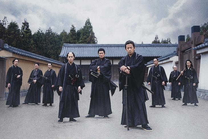 「燃えよ剣」より、黒服姿の新選組隊士。