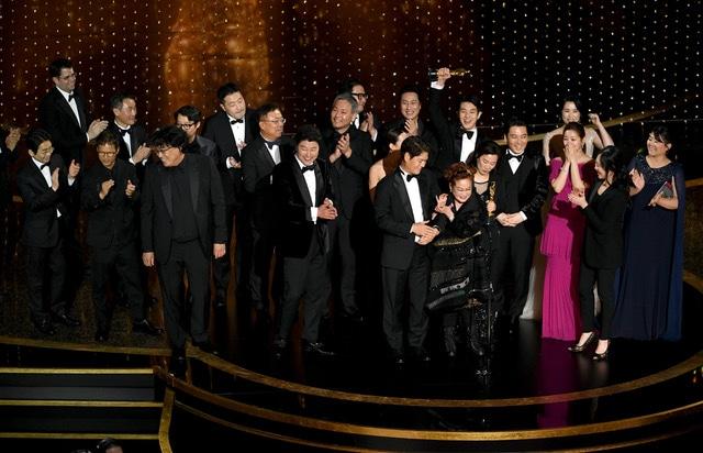 「パラサイト 半地下の家族」チーム。(Getty Images)
