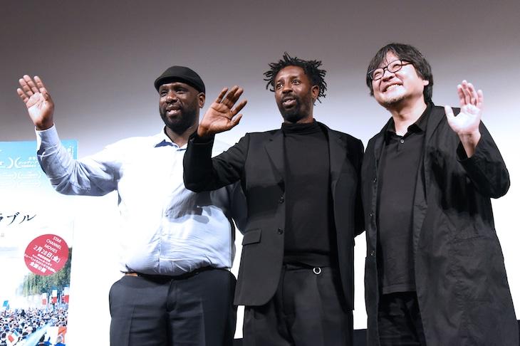 左からスティーヴ・ティアンチュー、ラジ・リ、細田守。