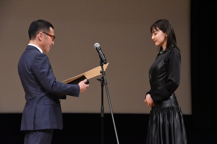 長澤まさみ(右)