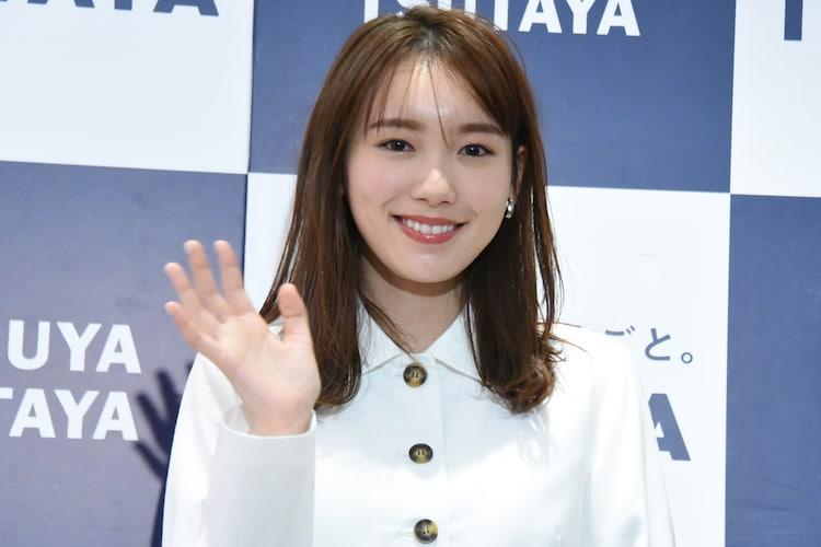 """飯豊まりえ""""触りたくなるカレンダー""""発売、ドラマの現場で「青春を ..."""