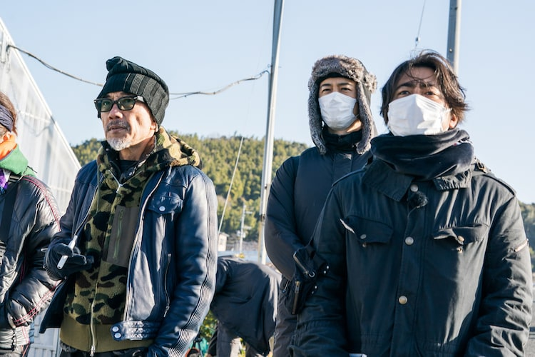 左から竹中直人、齊藤工、山田孝之。