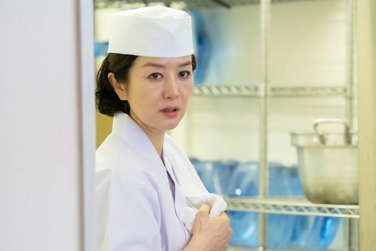 鈴木京香演じる芹沢達美。