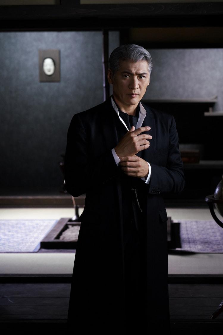吉川晃司演じる由利麟太郎。