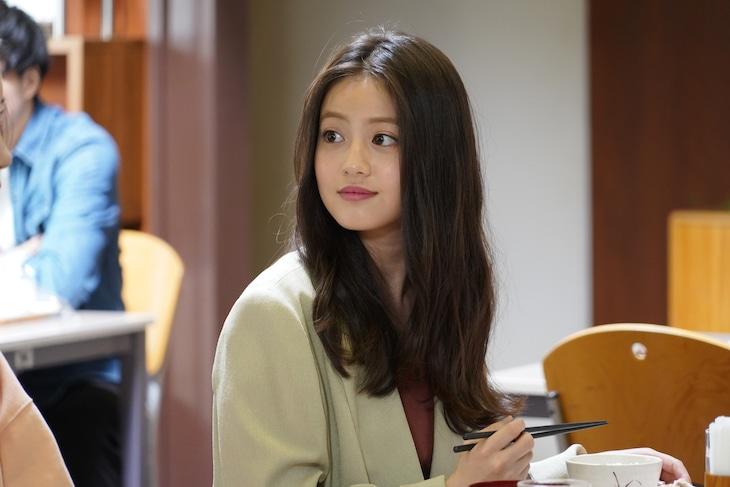 「親バカ青春白書」より、今田美桜演じる山本寛子。