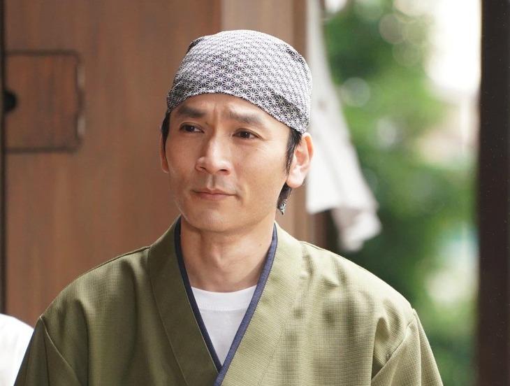 隅田フーズの社長・隅田厚役の長野博(V6)。(c)日本テレビ