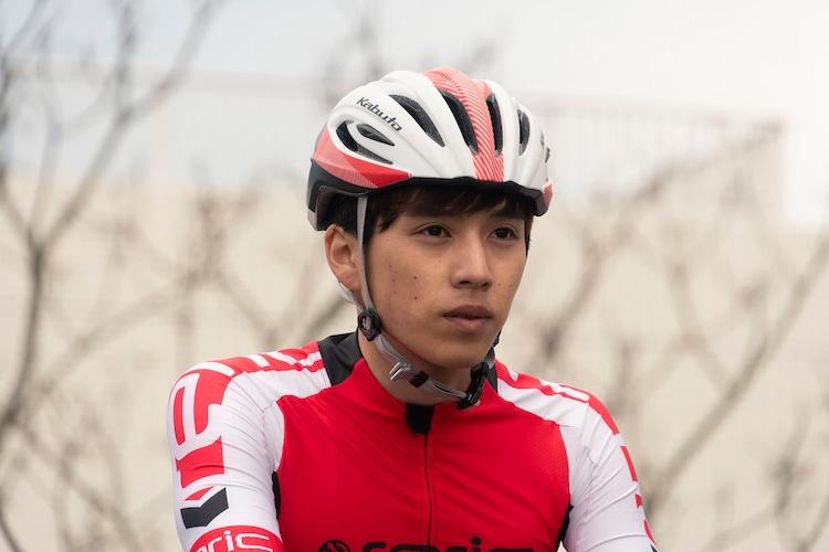 坂東龍汰演じる鳴子章吉。