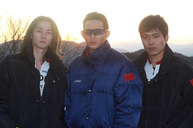 左から柳俊太郎、竜星涼、菅原健。