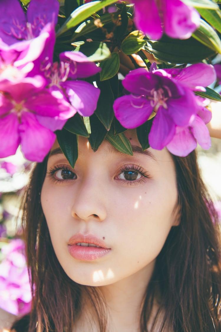 梅澤美波1st写真集「夢の近く」より。