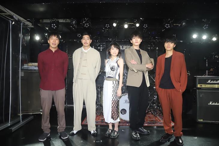 「東京バタフライ」公開記念イベントの様子。左から佐近圭太郎、小林竜樹、白波多カミン、水石亜飛夢、黒住尚生。