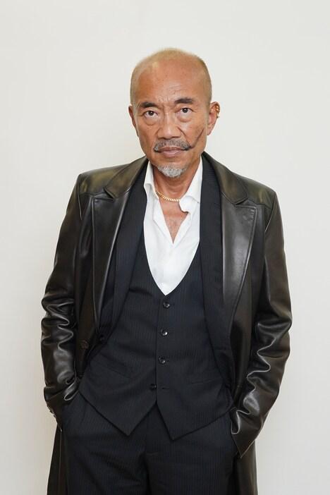 竹中直人演じる江口菊次郎。