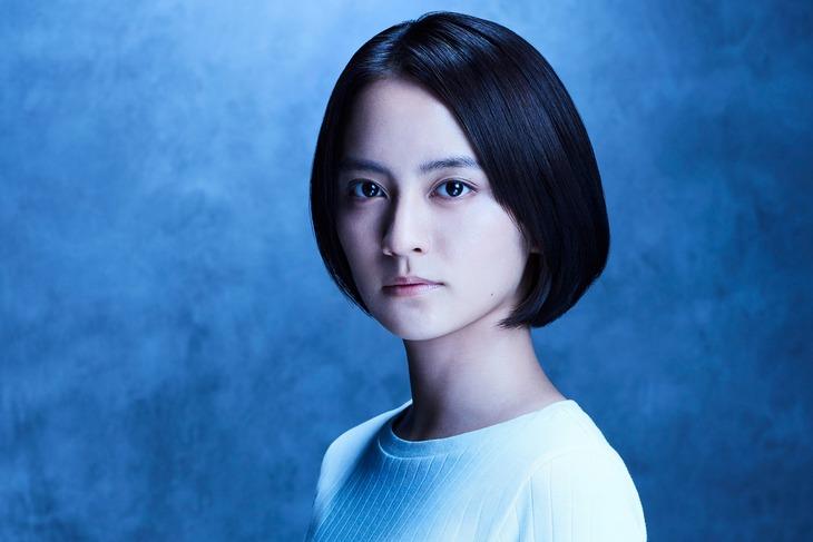 岡田結実演じる星野奈々美。