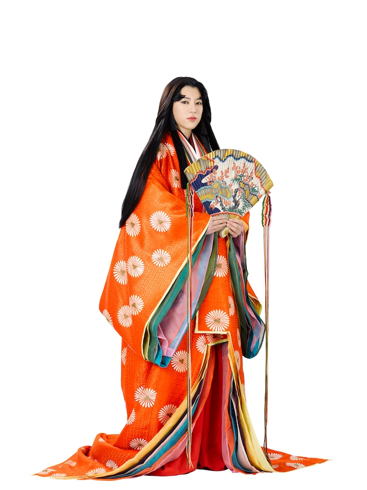 三吉彩花演じる弘徽殿女御。