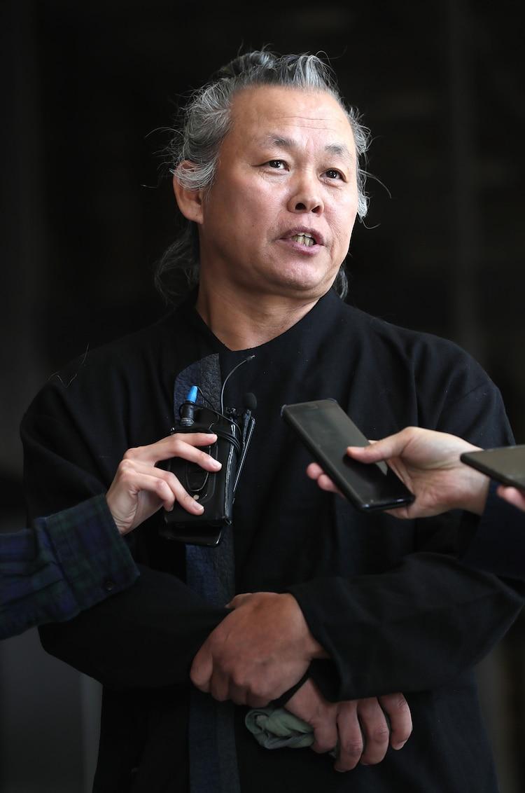 韓国の映画監督キム・ギドク、新型コロナウイルスの合併症により死去 ...