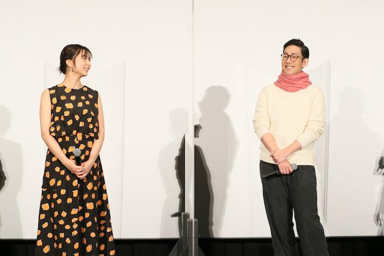 上白石萌歌(左)と中村勘九郎(右)。
