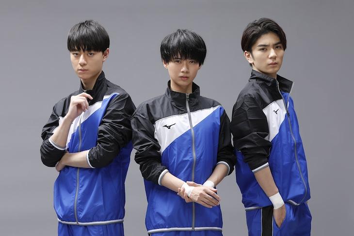 左から作間龍斗演じる富士谷要一、井上瑞稀演じる坂井知季、高橋優斗演じる沖津飛沫。