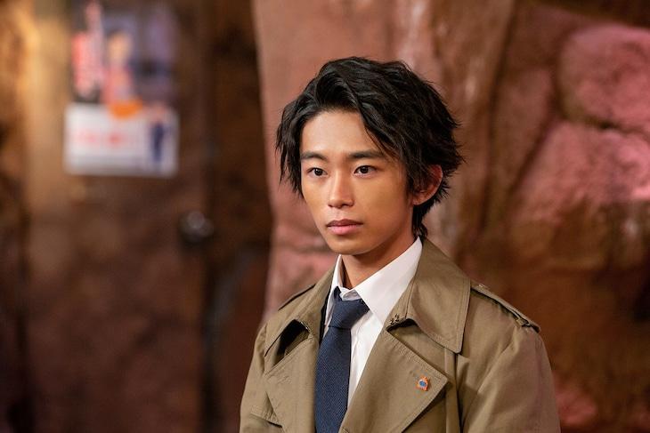 加藤清史郎演じる愛川警部。