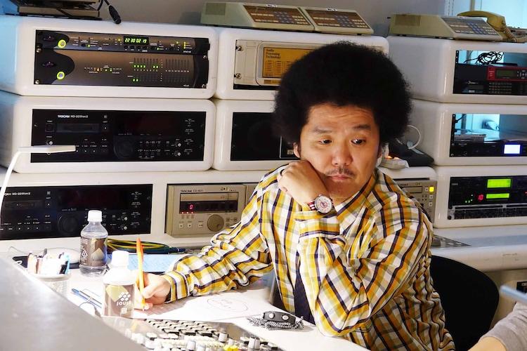 """オカモト""""MOBY""""タクヤ演じる中崎。"""