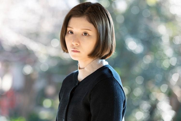 松岡茉優演じる蒲原トキコ。