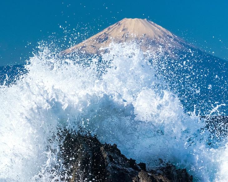 「冨嶽三十六景フォトコンテスト」佳作より、kidskatsuyaさんによる「Splash!!」。