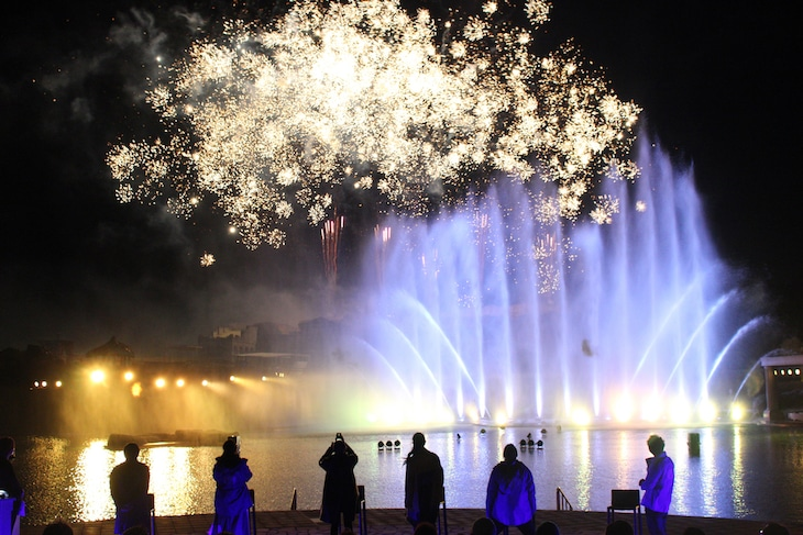 「ゾッキの日」フィナーレの打ち上げ花火の様子。