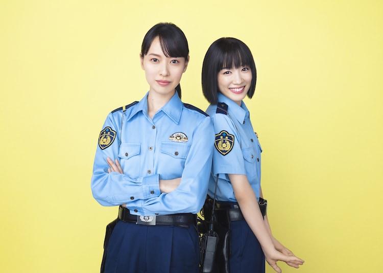左から戸田恵梨香演じる藤聖子、永野芽郁演じる川合麻依。