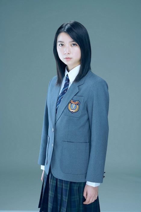 藤野涼子役の上白石萌歌。
