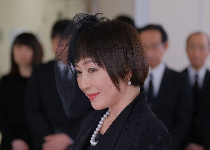 高島礼子扮する柊聖美。(c)テレビ東京