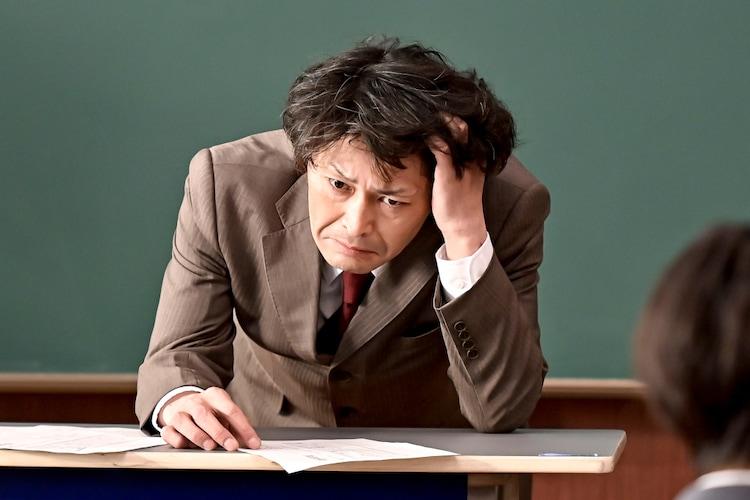 「ドラゴン桜」新場面写真より、安田顕演じる太宰府治。