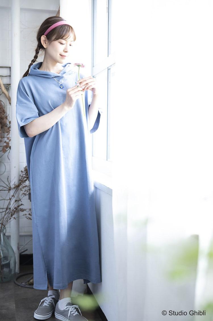 「Donguri Closet 限定 天空の城ラピュタ リラックスウェア 空から舞い降りた天使のワンピース」着用イメージ