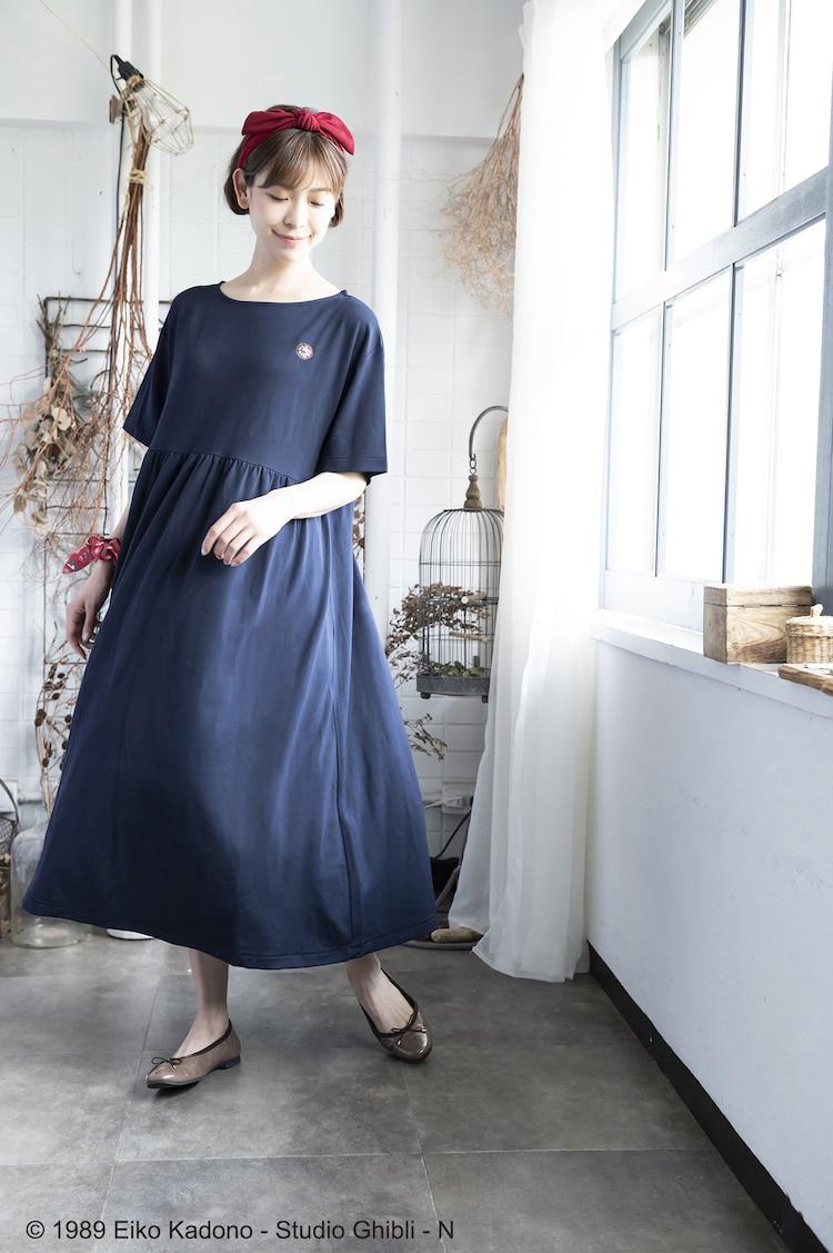 「Donguri Closet 限定 魔女の宅急便 リラックスウェア 魔女のワンピース ロング」着用イメージ