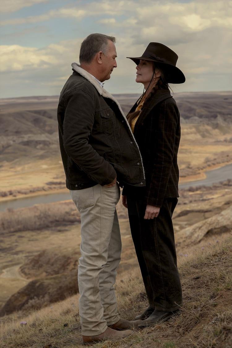 左からケヴィン・コスナー演じるジョージ・ブラックリッジ、ダイアン・レイン演じるマーガレット。