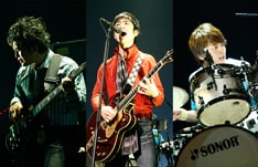 レミオロメンは昨年の「a-nation」東京公演にシークレットゲストとして登場。2年連続の出演となる。