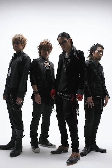 ムックは10月、ヨーロッパ版「TASTE OF CHAOS」にも出演。日本公演では60分の演奏時間を予定している。