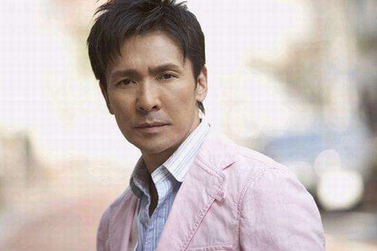 郷ひろみは来月53歳を迎える。