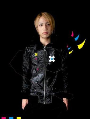 中田ヤスタカはravexとともに深夜のスペシャルステージPLANET OF SOUNDでパフォーマンスを実施する。