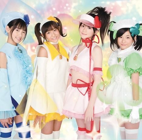 写真はシングル「みんなのたまご」初回盤ジャケット。メンバーは左から佐保明梨、和田彩花、前田憂佳、福田花音の4人。