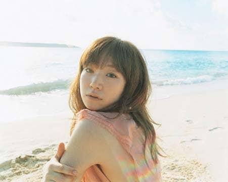 YUKIのシングルがリリースされるのは今年3月の「ランデヴー」以来、約8カ月ぶり。