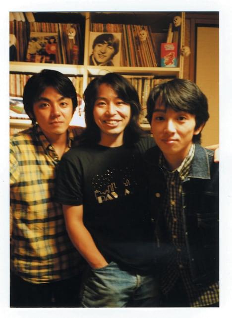 写真は解散前の3人。今回は桜の季節のライブとあって、アルバム「東京」のジャケットを思い出すファンも多いかもしれない。